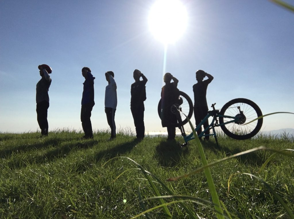今日の朝一はお山サイクリング!