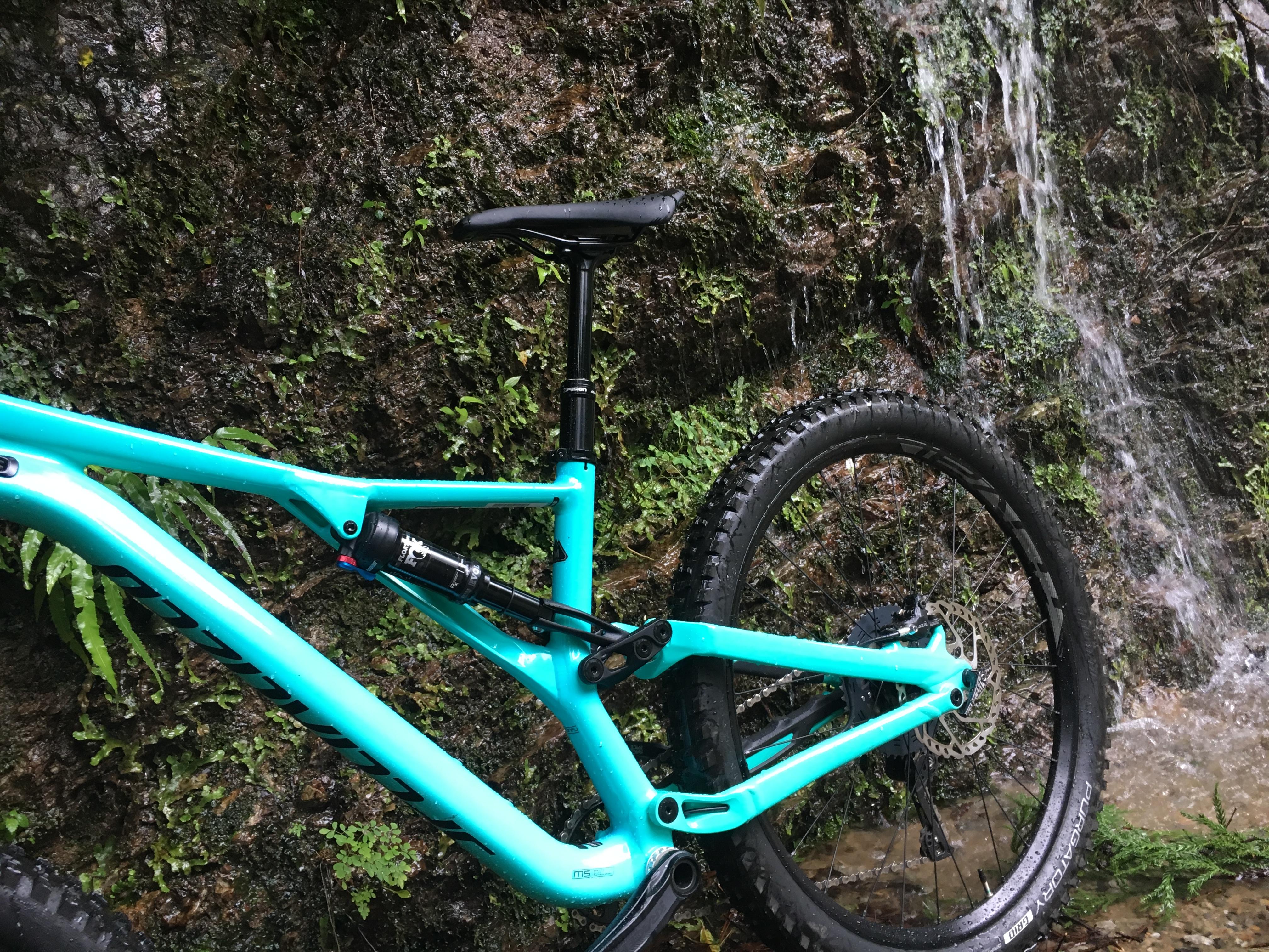 休みの日にお山サイクリング!